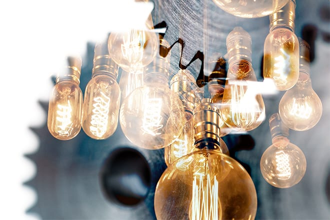 Aus_Gears_LightBulbs_660x440