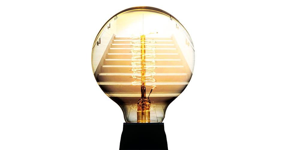 Lightbulb_Stairs_Light_960x550